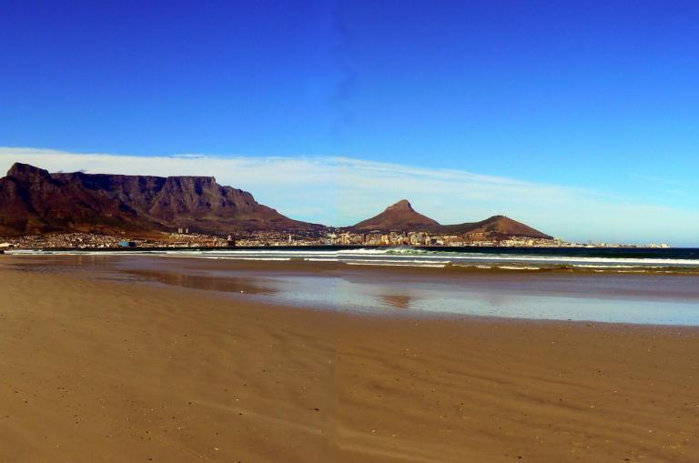 Südafrika Reise: Kapstadt Panorama mit Hafen