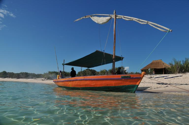 Dhow in Mosambik auf Reise Krüger Park & Mosambik – Wildlife & Beach Tor mit Sunway Safaris