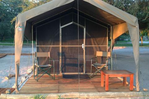 Tented ROom in der Drifters Maun Lodge