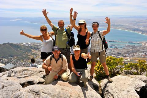Zum Abschluss der Südafrika Reise eine gemeinsame Besteigung des Tafelbergs in Kapstadt mit der gesmaten Kleingruppe die mit auf Reise durch die Rainbow Nation war