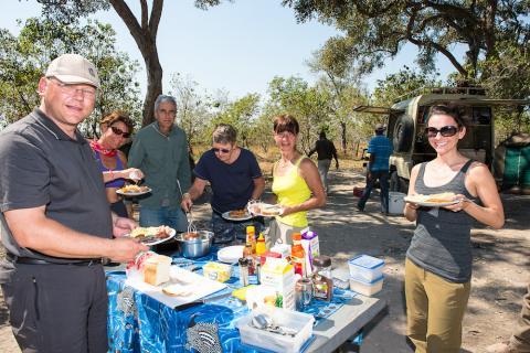 Lunch auf einem Camping Platz im Caprivi Streifen in Namibia