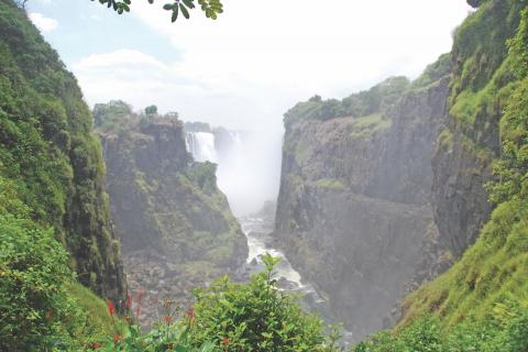 Wasserfall im Murchison Falls Nationalpark während der Rundreise durch Uganda