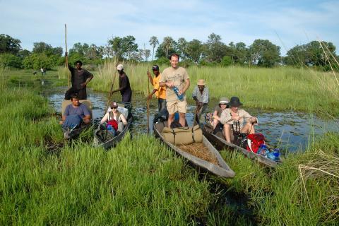 Rundreise durch Botswana und Simbabwe: Ein absoluter Höhepunkt ist die Bootsfahrt mit dem Mokoro durch das Okavango Delta