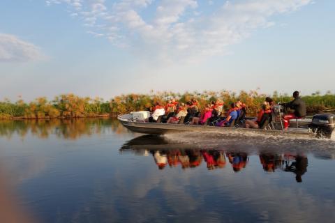 Bootstransfer auf dem Okavango Fluss