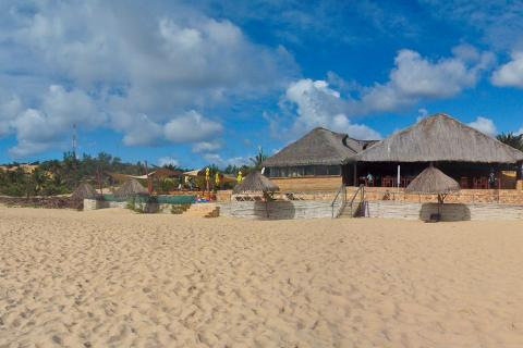 Palm Groove Resort Praia de Barra in Mosambik