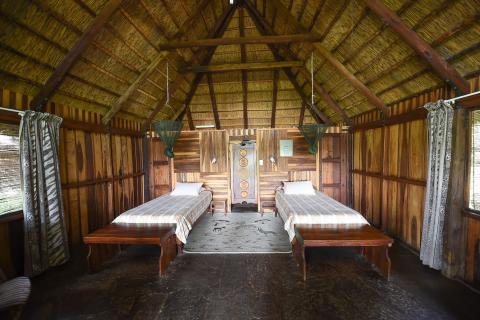 Rundu Inkwazi Lodge: Zwei-Bett-Chalets mit en-suite Einrichtung, Swimming Pool, Restaurant und Bar.