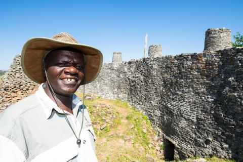 Sunway Guide vor den Great Zimbabwe Ruins