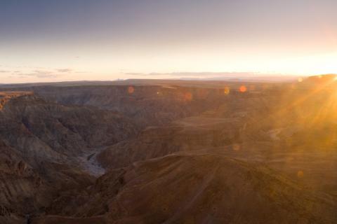 Sonnenuntergang am Fish River Canyon in Namibia