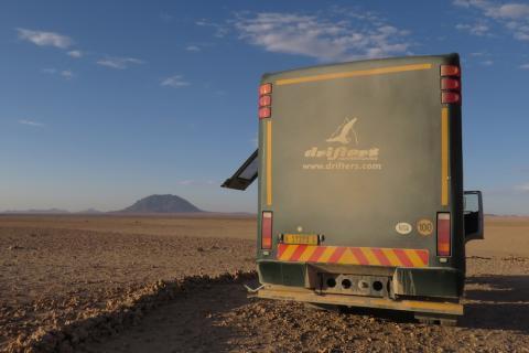 Drifters Adventure Tours Safari Truck von hinten in Namibia