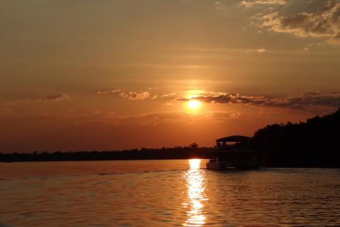 Botswana Chobe River Sundowner Bootsfahrt