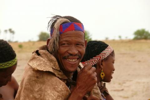 Buschmänner in der Kalahari Botswanas