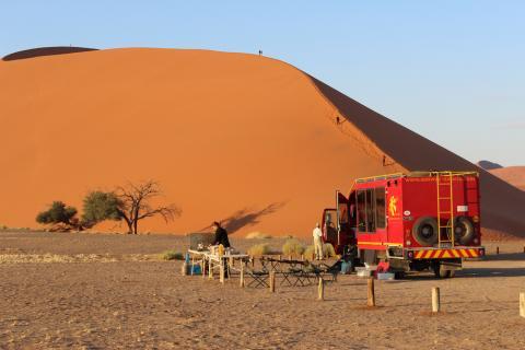 Picknick am Sossusvlei auf Namibia Rundreise