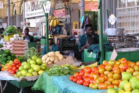 Obstmarkt in Maput / Mosambik
