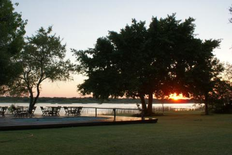 Sonnenuntergang im Greenfire Maun Camp