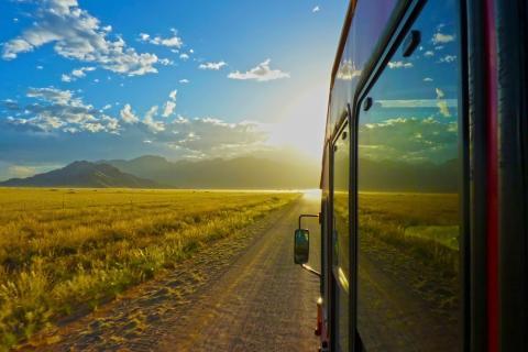 Sunway Safaris Truck in der Nambi Wüste