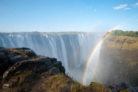 Blick auf die Victoriafälle: Wasserfälle liegen an der Grenze zwischen Sambia und Simbabwe