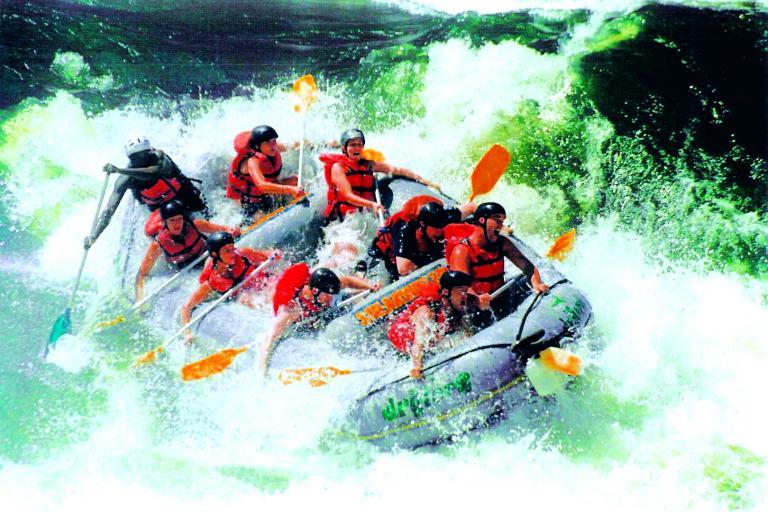 Reisephilosophie Drifters Adventure Tours - Aktivreise mit Rafting auf dem Zambezi River
