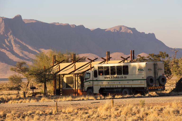 Kiboko Adventures Safari Truck in der Namib Wüste