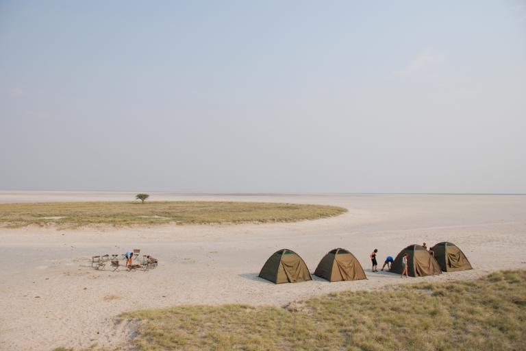 Camping Safari in den Makgadikgadi-Salzpfannen in Botswana mit Drifters Safaris