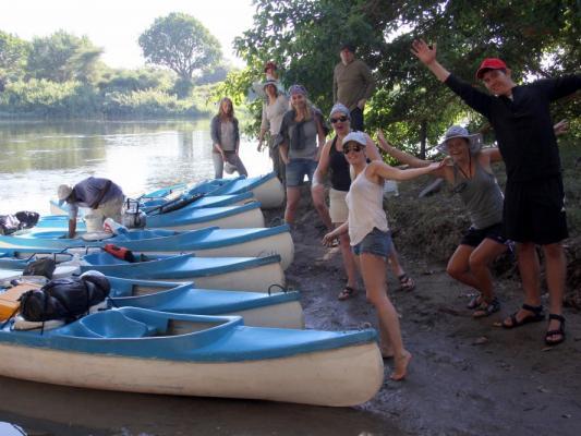 Start der Kanusafari auf dem Zambezi Fluss