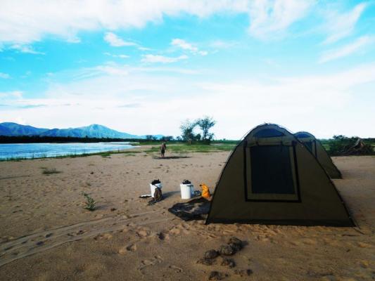 Camping Safari Zambezi River Fluß in Sambia