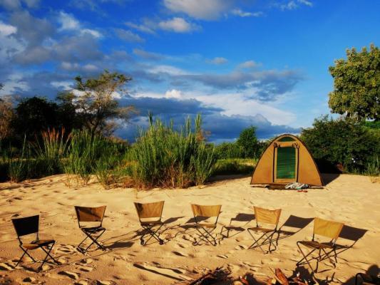 Camping Safari Zelte Camp nahe Zambezi River