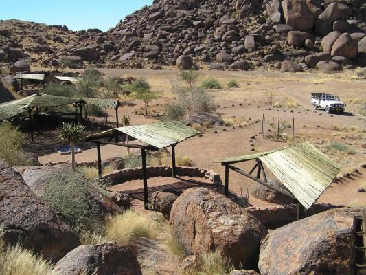 Drifters Greenfire Desert Camp im Herzen Namibias