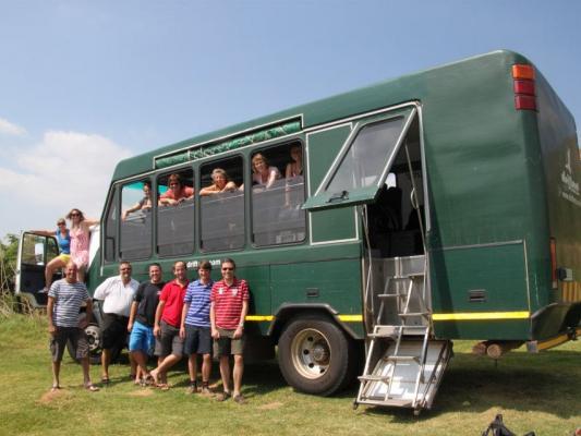 Reisen mit Drifters: Teilnehmer vor dem