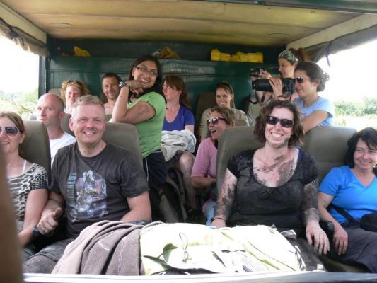 Mobiles Drifters Safari Camp welches während der 15 tägigen Gorilla Trekking Tour durch Uganda aufgebaut wird