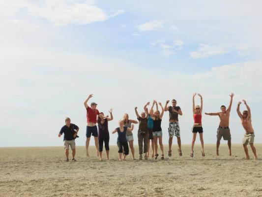 Drifter Reisegruppe am südlichen Wendekreis in Botswana