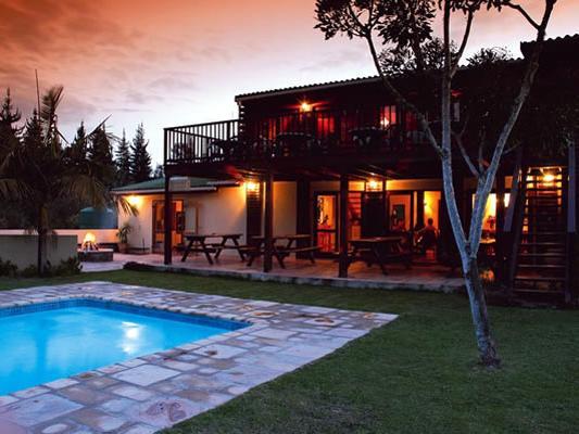 Pool in der Greenfire Knysna Lodge