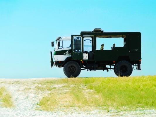 Safari Truck von Drifters Adventure Tours  in den Makgadikgadi-Salzpfannen