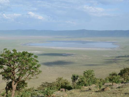 Panorama des Ngorongoro Kraters in der Serengeti ( Tansania)