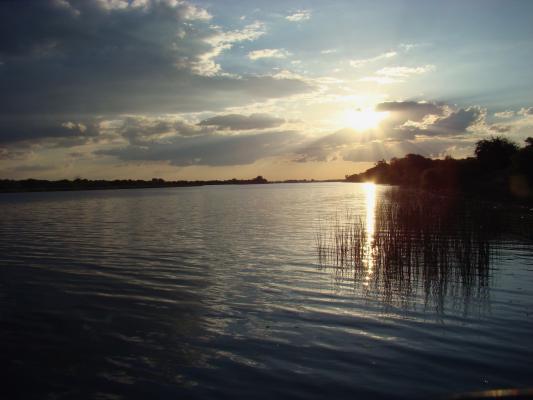 Sonnenuntergang über dem Boteti Fluss