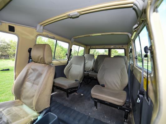 Innenausstattung des Sunway 4WD Safari Jeeps