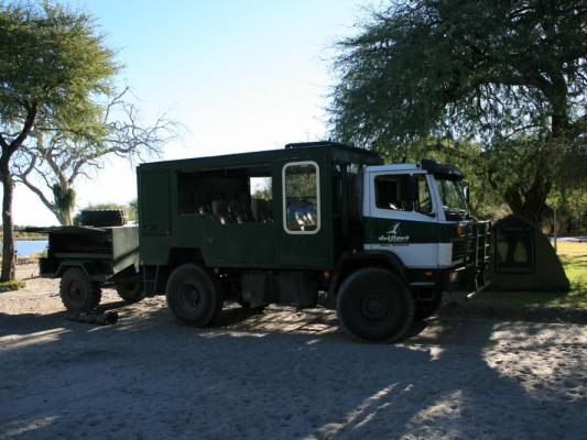 Dridfters MAun Camp: Canvas Zelte und Safari Truck
