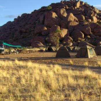Camping Safari: Afrika auf einer Camping Safari mit Zelt und Truck entdecken. Camping Safari Touren durch die Namib Wüste, das pure Afrika Abenteuer