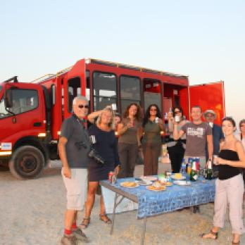 Reisen mit Sunways Safaris: Auf Afrika Tour beim Sundowner
